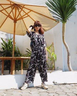 Really love my outfit from @sharontehillah 😍✨ Masih banyak model yg lucu & gemas guys! Bisa langsung cek aja highlight nya Sharon yang CHILL WEAR yaa❤️ ( tap for details ) . . . . . #whatiwore #bloggerstyle #fashion #styleblogger #fashionblogger #ootd #lookbook #ootdindo #ootdinspiration #style #outfit #outfitoftheday #clozetteid