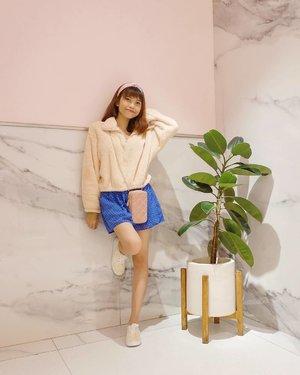 Have a good day guys🌈 Semoga kita semua selalu sehat & bahagia yaa❤️✨ ( tap for details ) 📸: @budiartiannisa . . . . . #whatiwore #bloggerstyle #fashion #styleblogger #fashionblogger #ootd #lookbook #ootdindo #ootdinspiration #style #outfit #outfitoftheday #clozetteid