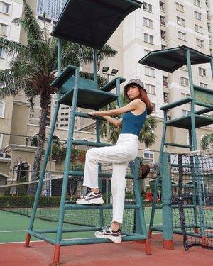 Tiba tiba pengen foto di lapangan tenis lagi😆 ( tap for details ) 📸: @edi.jsp . . . . . #whatiwore #bloggerstyle #fashion #styleblogger #fashionblogger #ootd #lookbook #ootdindo #ootdinspiration #style #outfit #outfitoftheday #clozetteid