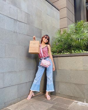 Have a good day guys✨ Semangat yaa semuanya hari ini💕 ( tap for details ) . . . . . #whatiwore #bloggerstyle #fashion #styleblogger #fashionblogger #ootd #lookbook #ootdindo #ootdinspiration #style #outfit #outfitoftheday #clozetteid