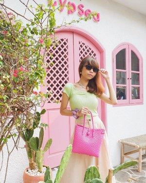How's your day guys?✨ Ngeliat foto ini jadi kangen Bali hehe karena pas lagi di @gypsea.kemang serasa kyk lg di Bali😍😝 ( tap for details ) 📸: @rimasuwarjono . . . . . #whatiwore #bloggerstyle #fashion #styleblogger #fashionblogger #ootd #lookbook #ootdindo #ootdinspiration #style #outfit #outfitoftheday #clozetteid