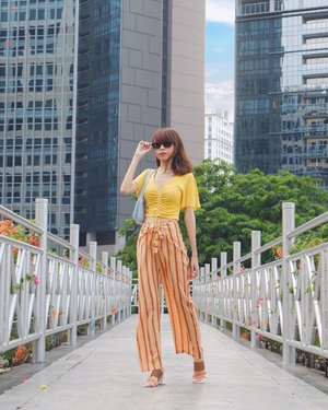 Have a good day everyone💛 Feelin' so colorful in this cute pants from @pomelofashion 😍✨ #pomelogirls  ( tap for details ) . . . . . #whatiwore #bloggerstyle #fashion #styleblogger #fashionblogger #ootd #lookbook #ootdindo #ootdinspiration #style #outfit #outfitoftheday #clozetteid