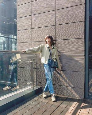 Yuhuu bsk Minggu! Aku dr skrg lg mikir, besok mau jajan apayaa hehe😋 Btw wearing my fav jacket from @uniqloindonesia & fav pants from @pomelofashion 😍✨ ( tap for details ) . . . . . #whatiwore #bloggerstyle #fashion #styleblogger #fashionblogger #ootd #lookbook #ootdindo #ootdinspiration #style #outfit #outfitoftheday #clozetteid