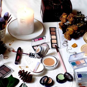 Tutorial Photoshop #1: Cara Membuat Foto di Photoshop Menjadi Colorful . . Link di bio (ketahuan males bikin caption 😂) #clozetteid #photoshop #flatlay #flatlayphotography #beauty #makeupflatlay