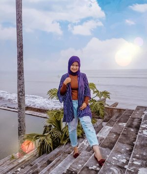 Trust the timing of my life. :)   . . . Outer kece by @shopacious_ . . .  #Clozetteid #beautynesiamember #revanisanabella #ootdhijab #hijabstyle