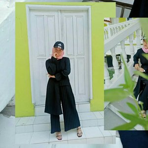 I choose to believe things are possible, even when i don't know how they will happen... 🍃🎧🎶🍃 . . . Btw, aku lagi pake serly set by @kittyshopgirls , nyaman di pakai dan super premium! ❤ . . .  #Clozetteid #revanisanabella #OOTD #hijabootd #stylehijab