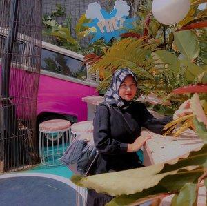 Pipi mengembang udah kaya ngunyah marshmallow.... Maaf ini diluar kendali 😂 . . . ... #clozetteID #revanisanabella #Bandung #picknickkaliki #OOTDhijab