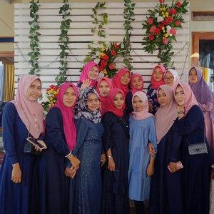 Team sukses piket siang 😅 . . . . . #clozetteID #Revanisanabella #hijabootdindo #hijabgank #OOTDhijab