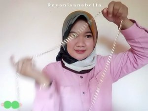 Simple makeup tanpa foundation, natural makeup look buat ngabuburit gak pake ribet! 😁 . . .  Detail product : 🍃@avoskinbeauty - PHTE 🍃@purbasarimakeupid - Oil Control Matte Powder (Honey Beige) 🍃@fanbocosmetics - Perfect Pairs Lip and cheek no. 01 dan 03 🍃 @maybelline_indonesia - Push Up Drama Mascara 🍃 @purbasari_indonesia - Daily Series Blush on no. 01 . .  #Makeuptutorial #Naturalmakeup #happyfasting #clozetteID #Revanisanabella #beautychannel #makeup #beauty