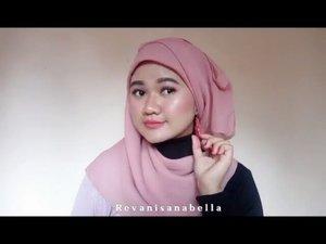 Beberapa tutorial hijab segi empat ala ala yang simple dan bisa di coba sendiri di rumah. 😁🌻 .... #clozetteID #tutorialhijab #beauty #BeautyrangerID #Beautychannel #Revanisanabella #tutorialhijabsegiempat