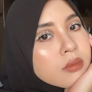 Macan tutul makeup 🐆 #clozetteid #indobeautyblogger #jakartabeautyblogger #indobeautysquad #beautybloggerindonesia #beautiesquad #itsbeautycommunity #beautybloggertanggerang