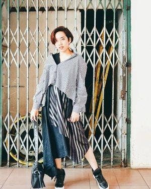 Q: do you know how to handle fake people? A: use mask. . . . #clozetteid #mood #fashion #art #fashionpeople #fashionpeople #fashiondesigner #fashiondesignerindo #fashiondesignerslife #ootd #ootdindonesia #ootdindo #fashionblogger #blogger #bloggerstyle #fashiondiaries #lookbookindonesia #lookbook #lookbookindo #instastyle #instadaily #igdaily #me #selfpotrait #potd #wiwt #lookoftheday