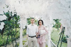 A little #throwback won't kill anyone. A beautiful picture in such a beautiful day (Resa & Key 's Wedding Day) with my loved one....#clozetteid #mood #fashion #art #fashionpeople #fashionpeople #fashiondesigner #fashiondesignerindo #fashiondesignerslife #ootd #ootdindonesia #ootdindo #fashionblogger #blogger #bloggerstyle #fashiondiaries #lookbookindonesia #lookbook #lookbookindo #instastyle #instadaily #igdaily #me #selfpotrait #potd #wiwt #lookoftheday