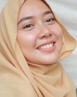 😉 _ #hijab #hijabblogger #hijabfashion #girl #woman #beauty #bloggerperempuan #clozetteid #smile #happy