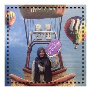 Cari berkah di boothnya @sahabatmezora sambil photo ala ala di balloon udara #muffest2017 #clozetteid