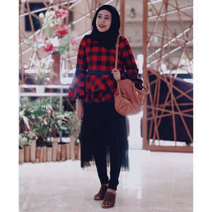 "Tried to mix tartan in peplum. My #OOTD for event today ""photogenic beauty soire with @astalift_indonesia skin care by @fujifilm_id #bloggermakassar #fashionblogger #lifestyleblogger #beautybloggerindonesia #clozetteid"