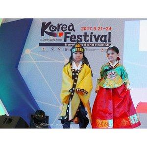 Hanbok Fashion Show by @dainhanbok for @kfestival 2017......#KFESTIVAL2017INDONESIA #KFESTIVAL #KFESTIVAL2017 #조윤주 #한복 #한복패션쇼 #lastnight #fashionshow #kids #hanbok #kidsinaction #hanbokkerajaan #runway #catwalk #fashion #kidsfashion #kidsstyle #kidsfashionshow #fashionblogger #koreandesigner #eventjakarta #instaevent #koreanculture #kdrama #indonesiakorea #loveindonesia #lovekorea #clozetteid #koreanstyle #koreatraditionaldress