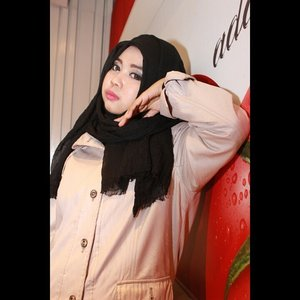 #ClozetteID #Parka #BlackHijab #AlaDianPelangi #MakeUp