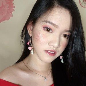 udh lama gk upload foto selfie. HAHAHA... 😂😂😂 . . . . . . . . . . . . #beauty #beatyjunkie #makeupaddict #makeuptutorial #makeupjunkie #makeup #motd #fotd #potd #look #instadaily #l4l #allmodernmakeup #blogger #indobeautygram #igers #instagood #portrait #vscocam #vscobest #instabeauty #instamakeup #undiscovered_muas #picoftheday #MUA #muajakarta #clozetteid