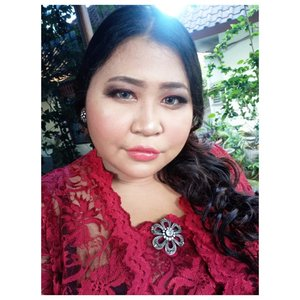 Biar kalyen gak kaget saya Bali tulen. Pada nanyain sih aku darimana. 😌  #lookbyvina . . . #balinese #motd #faceoftheday #fullfacemakeup #clozetteid #fotd #muabali #makeupoftheday #indonesian #bali #fulllips