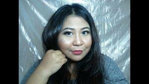 Swatch @elsheskin Matte Lipstick versi centil. 😂Aku suka pakai lipstick nya dengan 2 style, ombre dan full. Shade yang aku punya memang cocok untuk inner lips ombre style sih. 😍Review udah up yes. Aku sih suka sama lipstick iniii.#vinasaysbeauty #vsbxelsheskin #elsheskin...#mattelipstick #clozetteid #makeupoftheday #faceoftheday #bigsize #tannedskin #lipswatch