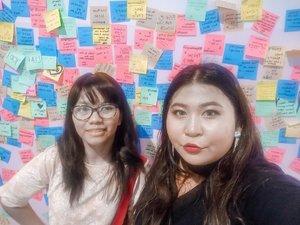 Kita pernah berambut panjang, tapi kita memilih untuk menghemat uang shampoo. 💇🏻♀️ . Our first #jakartaxbeauty 2 tahun lalu. Kangen. Padahal pengen ketemu dan main sama kepala ikan genki. 😌 . #jakartaxbeauty2018 #event #beautyevent #selfie #beforecorona #beforecovid19 #postit #summer #happy #ootdindo #ootdfashion #bigsizeindonesia #bigsizebali #bigsizemodel #plussizebali #plussizeootd #plussizeindonesia #plussizeinpiration #plussize #plussizelife #plussizefashion #plussizebeauty #clozetteid #curvywomanindo #plussizes #curvy #curvywomen . #vinangevent