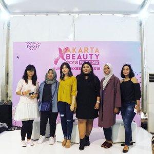 Support system terbaiq.Thank you @femaledailynetwork for having us, @beautiesquad. 💋#vinangevent.#jakartaxbeauty2018 #beautiesquad...#talkshow #bae #beauty #ggrep #clozetteid #ootd #outfitoftheday #beauty