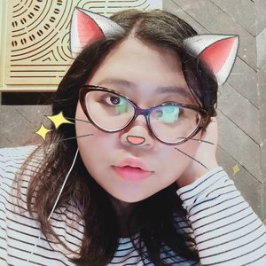Good morning from Meow-ma. Today she's kinda busy. But you can call her later. 🐈#vinapiknik...#monday #mondaymorning #cat #filters #cute #catstickers #clozetteid #cute #kawaii