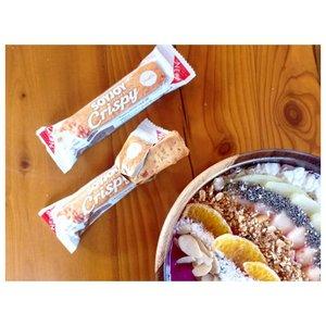Sunday morning. Enjoying smoothie bowl with my favorite @soyjoyid 😍#soyjoycrispyvanilla #hidupenak #soyjoydenpasar...#soyjoy #snack #snacktime #healthybar #health #tgif #flatlay #clozetteid #nomnombali #delicious #morning #smoothies #smoothiebowl #sunday #sundaymorning #weekendvibes