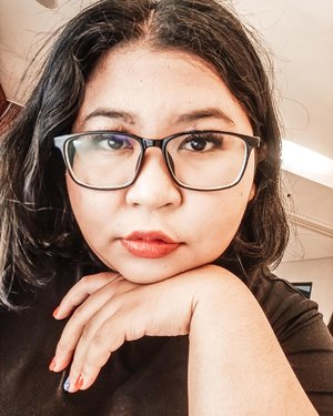 "Second day of ""New Normal"". Bagaimana sih di luar sana? I need hair cut and check my eyes, actually..#selfie #makeup #makeupideas #makeuplife #makeuplook  #makeupobsessed #lotd #lipsoftheday  #bigsizebeauty #beautyinsize #plussizestyle #makeupvideo #makeupaddiction #makeupaddicted #makeuplover  #makeupinspiration #makeuptutorial #clozetteid.#brushbyvina"