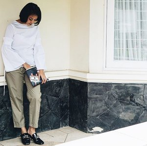 Basic outfit . . . . . #comfyoutfit #ootd #ootdindo #wiw #wiwt #style #monochrome