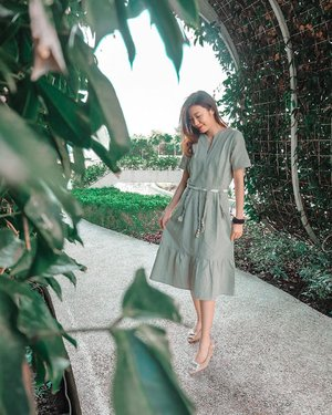 Everything is fine when there is sunshine :) 👗Dressing up with Summer Dress Collection from @label8store :)  . . . . #projectcollabswithangelias #ootdindo #clozetteid #fashionlookbook #summerstyle #styleinspo #styleinspiration #lifestyleblogger #streetstyle #casualstyle #stylexstyle