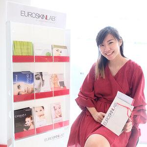 Attended @esl_euroskinlab new technology launching on last Sunday. . . Teknologi pertama di Indonesia di mana botox tidak dilakukan dengan suntikan. Jadi ini tidak sakit sama sekali, aman, dan no down time. Bisa langsung beraktivitas tanpa wajah kaku, bengkak, sakit. For more information, check langsung ke instagram mereka or do call the number ❤️ . . Thank you Mba @liliesrolina.id udah ngajakin 😊 . . #potd #lotd #clozetteid #beautyblogger #surabayablogger #bloggersurabaya #lifestyleblogger #womaninframe #beautyclinic #eventsurabaya #beautyeventsurabaya #euroskinlab #skincare #skintreatment #facial #facetreatment