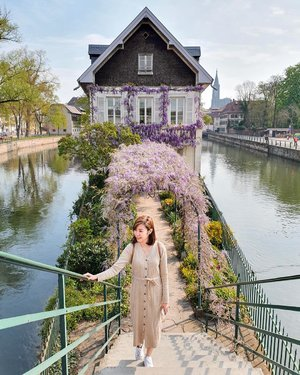 I am filled with gratitude and thankfulness. _ Walking around Strasbourg wearing knit dress from @gilolillo.collection 👗 . . #projectcollabswithangelias #styleblogger #styleinspiration #ootd #ootdindo #fashionlookbook #lookbook #lookbookindo #stylexstyle #springstyle #angellittleadventure #clozetteid #france #strasbourg #alsace #wheninfrance #instafrance #travelgram #instaplace #instatravelling #petitefrance #paris