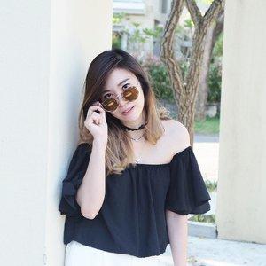 Hello.. i can see you 👀 😎 @sunglassplanet @levis . . . . . #sunglassplanetxlevis #thebetterone #putyourmakeupon #sunglassplanetpakuwon #angelschoice #potd #lotd #styleXstyle #wiwt #wiwtindo #ootdindo #outfithariini #lookbookindonesia #ootdholic #ootdindonesia #clozetteid #fashionindonesia #ootdmagazine #pootd #lookbook #igdaily #dailylook #ootd #postthepeople #terfujilah #womenmagz #womeninframe