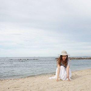 No filter needed 🙊 Here I am again after my last visit 🙆 Sooo... Happy 😄 . #pinkuroom #potd #photooftheday #picoftheday #instalike #instadaily #instamood #instacool #like4like #likeforlike #followme #island #thousandislands #pulauseribu #exploreindonesia #jalanjalan #clozetteid #clozette #nofilter #happy #smile #blueocean