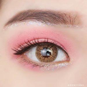 What is your favorite color? 💖@beautyglazed gorgeous me eyeshadow palette@blackrouge_id pearlverly iglitter - purple@upmostbeaute 2in1 eyeliner serum@lookecosmetics holy lash elixir mascara@holicatid barbie brown#DewiYangEye