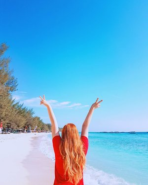 Let the blue sky meet the blue sea and all is blue for a time 🙌.#dewihairdiary #blue #quote #quotes #beach #sea #sky #clozetteid