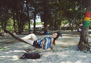 I miss exploring islands.. Will go again soon! . #dewitraveldiary #island #clozetteid #instago #instagood #instadaily #photooftheday #potd #travel #indonesia #like4like #likeforlike #followme #follow #nature #instafollow #vsco #vscocam #welltraveled #travelphotography #traveling #travelgram