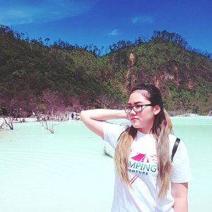 Life is about moving on, accepting changes, and looking forward to what makes you stronger and more complete 🙄 . #dewitraveldiary #quote #quoteoftheday #quotes #travel #traveling #travelgram #kawahputih #bandung #dewiyang #potd #instago #instalike #instagood #clozetteid