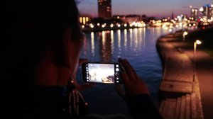 #whenuineurope #traveller #worldtravel #tourist #frankfurt #germany #womantraveler #europe #girltraveller #clozetteid #streetfashion #walk #walking #frankfurtbynight #imnotlost #imhere