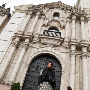 Artistic 😋😋😋 #travelblogger #traveler #34hours #peru #lima #southamerica #latinamerica #southamericatrip #bucketlist #womantraveler #igerslima #sheisnotlost #discoverperu #discoverlima #passionpassport #iamhere #plazademayor #clozetteid