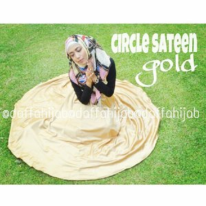 Hey hey I love this! Can't wait to see more of my pics!  #clozetteid #ootd #outfit #fashion #hijab #hijabindonesia #hijabgirls #hijaboftheday #aboutalook #gold #black #daffahijab #grass #photoshot #clozetteidgirl