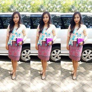 ethnic #ootd in a ridiculous smile :/Batik and Kutubaru design by me hahaha#ClozetteID #clozetteambassador #ootd #ootdindo #aboutalook #byshintadelaora #batik #kutubaru #kebaya #indonesian #proudtobeindonesian