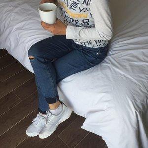 berjuang untuk orang yang tak mau diperjuangkan itu hanya akan menyakiti diri sendiri. save your energi, love yourself ❤️ #shotoniphone #clozetteid #coffee #cafe #instacoffee #cafelife #caffeine #hot #mug #drink #coffeeaddict #coffeegram #coffeeoftheday #cotd #coffeelover #coffeelovers #coffeeholic #coffiecup #coffeelove #coffeemug #coffeeholic #coffeelife