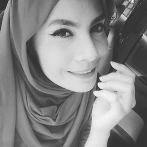 Hay, hari ini harus happy ya? #nomention #happywednesday #myman #myfuture #blackandwhite #girls #hijab #clozetedaily #clozetteid