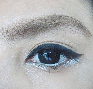 Goodnight ❤ #eotd #wingedeyeliner #winged #blackeyeliner #clozetteid #clozettedaily #bbloggerslife #bbloggers #silkygirl #wetnwild #pac #cathydoll #eyebrowcara #eyebrow #makeup #blogger #eyes #asian