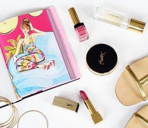 Morning beautiful heart ❤ #yslbeauteid #yslbeauty #ysllipstick #yslbabydoll #gold #favourites #beautyblogger #indonesianbeautyblogger #bloggerbabes #bloggerid #duapuluhtujuhdesember #flatlayoftheday #flatlays #clozettedaily #clozetteid #clozette #starclozette
