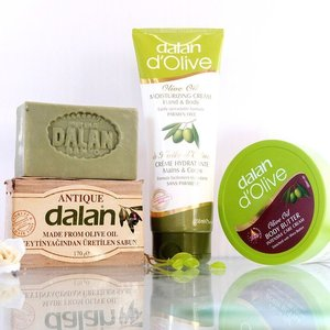 @dalanindonesia Dalan D'Olive Body Care Products Review on my blog ❤ http://www.duapuluhtujuhdesember.com/2017/10/review-dalan-dolive-body-care-products.html 👌✨ #bbloggers #IndonesianBeautyBlogger #duapuluhtujuhdesember #clozetteid #clozettedaily #fdbeauty #oliveoil #minyakzaitun #skincare #skincareaddict #sensitiveskin #blogger #dalanindonesia #dalan #madeinturkey #beauty #beautyreview
