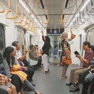 Can you spot me?...#MRTJakarta #clozetteid